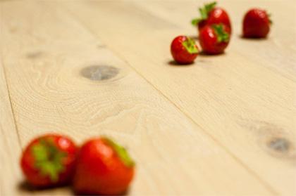 Dřevěná podlaha Strawberry parket Dub white